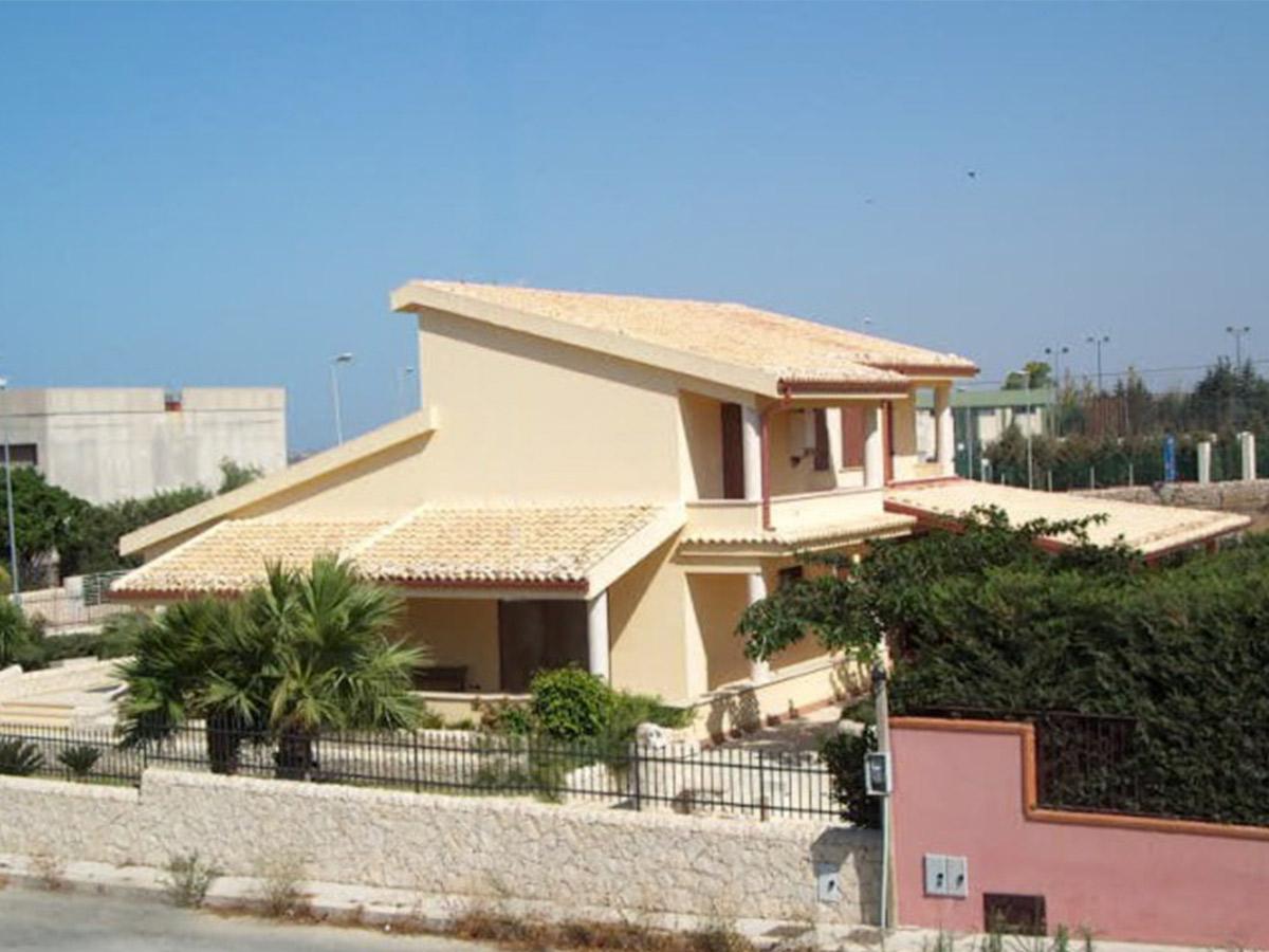 Villa I. C.